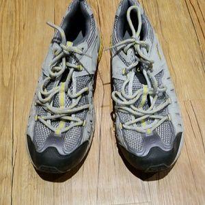 Rebbok tennis shoes